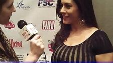 Huge natural Boobs MILF Raylene Interviewed in the AVN Awards