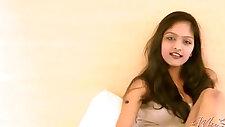 Hot indian girl masturbating on cam